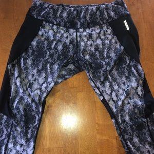 Reebok camo Capri leggings